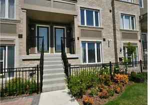 Fully furnished 3 bedroom townhouse at Mississauga