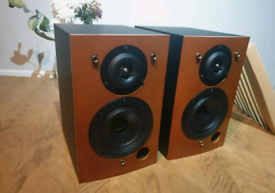 Triangle Titus TZX speakers