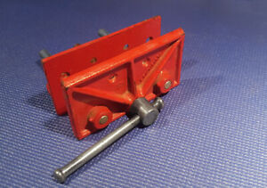 Woodworking bench vise - 6 1/2 inch.