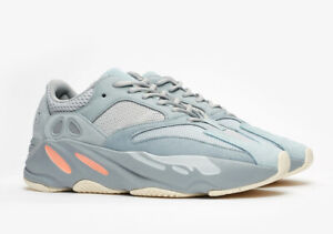 01fa19b038d3a Yeezy Boost 700 BRAND NEW