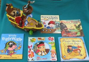 Jake Never Land Pirate Ship & Books Little first Look & Find