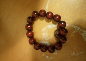 Red wood beads bracelet