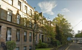 6 bedroom flat in Hillhead Street, Glasgow, G12 (6 bed) (#1088519)