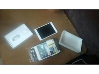 Swaps bnib iPad mini 4 32gb unlocked