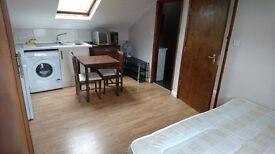 Studio flat in Blackstock Road, Finsbury Park, London N4