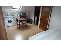 Studio flat in Blackstock Road, Finsbury Park, London N4