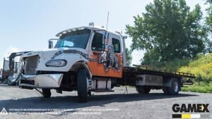2009 FREIGHTLINER M2 106 DAMAGED TOWING FOR PARTS