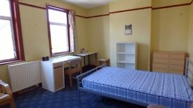 STRATFORD CITY Double Bedroom Available Today