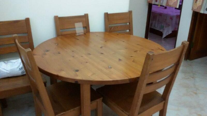 Ikea 4 6pax wood dining table super cheap free pedestal for Ikea round pedestal table