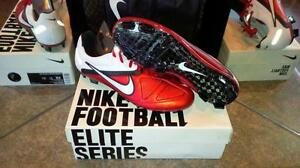 RARE AND PROFESSIONAL LEVEL SOCCER CLEATS AND MATCH BALLS Kitchener / Waterloo Kitchener Area image 3