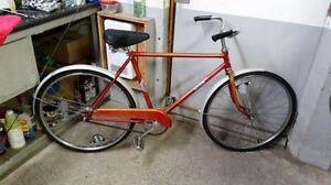 Vélo vintage rapido rouge 1 vitesse roues 24po cadre 19po