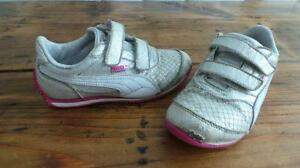 Puma Running Shoes Size 13.5 / Souliers de course 13.5