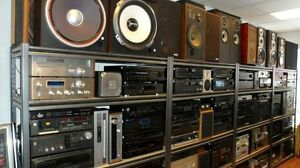 CLASSIC STEREO STORE-NEW & OLD- IN WINDSOR ! Windsor Region Ontario image 2