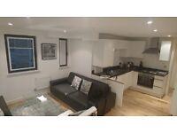 3 bedroom flat in Old Street, Shoredich, N1