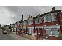Lovely studio flat on the first floor, available in Tottenham, HB and DSS accepted.