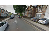 Lovely Studio flat on second floor available in Enfield. HB and DSS accepted.