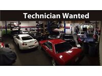 CAR TECHNICIAN MECHANIC WANTED START IMMEDIATELY - CASH IN HAND - JOB IS IN OLDHAM
