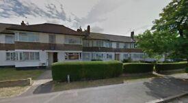 2 Bed Purpose Built Flat to rent in Kenton-QUEENS COURT