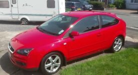 Ford Focus Zetec Climate 1.8 Petrol 3dr - Full Service History Great condition £2250 ONO