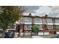 Lovely studio flat on the ground floor, available in Hendon, HB and DSS accepted.