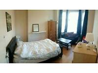 2 Double rooms friendly shared house near city center & Salford university