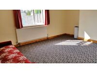 Cowley, 2 furnished rooms available now to single professionals/ students - BMW/ Business Park