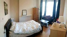 2 double rooms available in a friendly shared 5bed house near city center rent incl