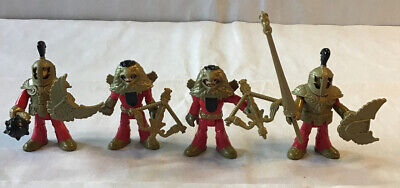 """FISHER PRICE IMAGINEXT KNIGHTS - 4 RED & GOLD KNIGHTS  ARMOUR & Weapons 3"""" Tall"""
