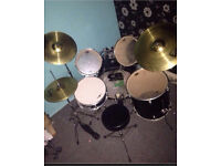 DRUM KIT WITH SABIAN CYMBALS AND STARTER BOOKS & DVDs