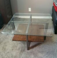 Glass top coffee table 25$