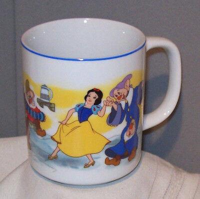 Disney's SNOW WHITE & SEVEN DWARFS Ceramic Porcelain Collectible Mug Cup