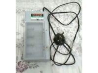 Uniross Universal 120 Battery Charger Ni-MH AAA/AA/C/D