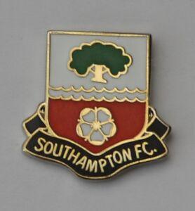 Southampton F.C. Crest (abbreviated) Quality Enamel Pin Badge