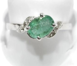 10K White Gold Emerald Ring - 10/10 Condition