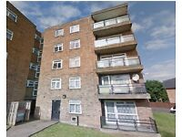 LOVELY 2 BEDROOM GROUND FLOOR FLAT AVAILABLE IN THE HOMESTEAD N11 1LH