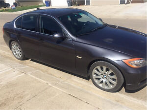 2006 BMW 300i l Winter tires/rims INCLUDED