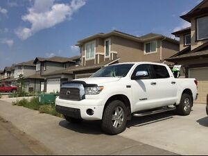 2009 Toyota Tundra Crewmax Limited beautiful like new.
