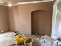 Plasterer Skim coat expert at finishing