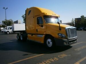 2012 Freighliner Cascadia with sleeper