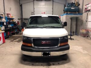 2016 GMC Savana 2500- CARGO WORK VAN