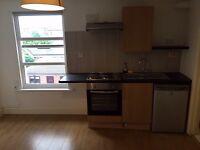 Studio flat to rent in Heath road hounslow TW3 area