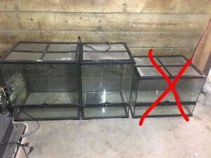 Lot de 2 terrariums exoterra pour 120$