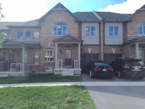 Bright And Spacious 4 Bedroom Townhouse Markham Berczy