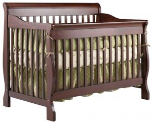 Bassinette convertible / concertable baby crib