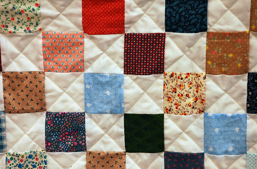 How to Make a Blanket from Cotton Fabric