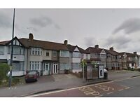 Amazing 3 bed house available now in the heart of rush green RM7