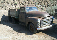 1953 GMC 9430 one ton truck with box and hoist