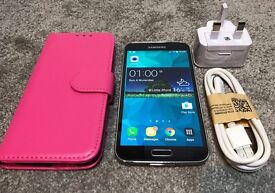 Samsung S5 16GB lock on Vodafone. No scratch.