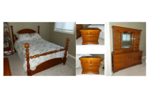 Solid Pine Queen Bedroom Set - Great for Cottage!