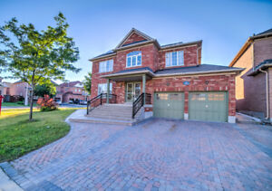 BEAUTIFUL STUNNING DETACHED IN CASTLEMORE
